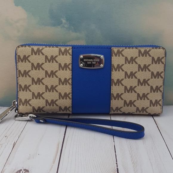 9282616197cc MICHAEL Michael Kors Bags | Michael Kors Center Stripe Wallet ...